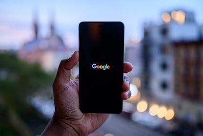 google-logo-in-phone-416x416
